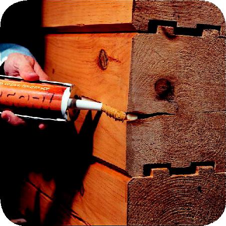 Ремонт трещин в бревне сруба деревянного дома